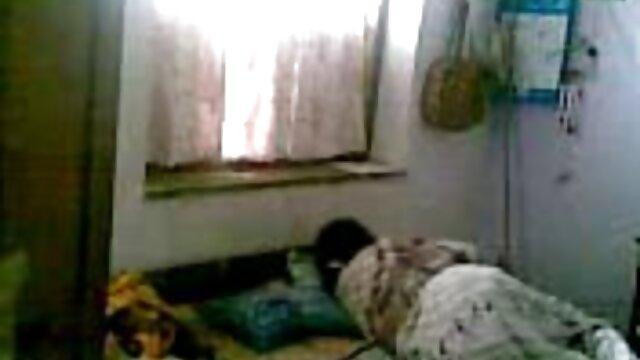 زشت و فیلم سکسی پخش ناپسند اشغال توسط یک