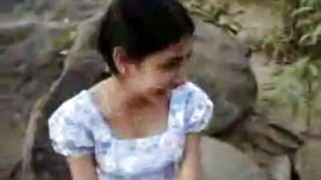 دختر در زمان دوست دختر خود را پخش سکس خارجی برای لعنتی مقعد